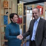 Dorothea Becker und der Geschäftsführer der M.A.R.T.E.L.L., Clausjürgen Martini
