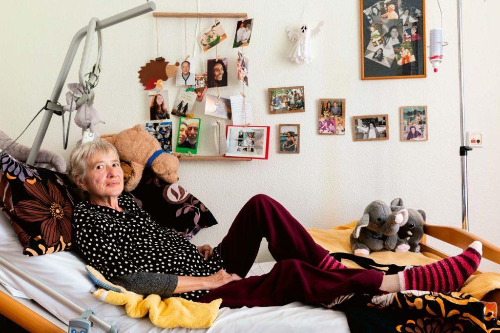 Monika_Blomberg---fotografiert-von-Petrov-Ahner-im-Ricam-Hospiz-Berlin